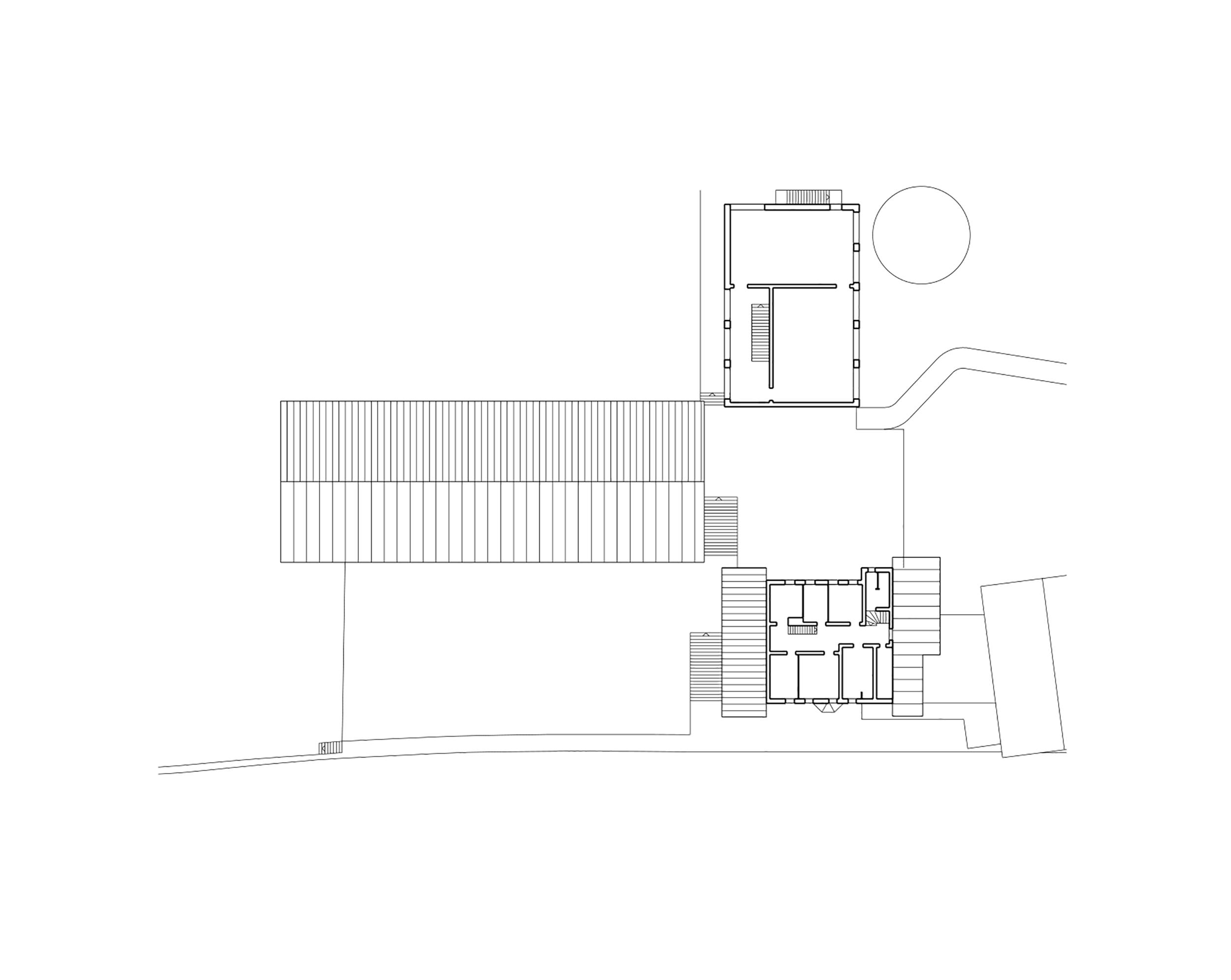 Mehrzweckhalle und Schule