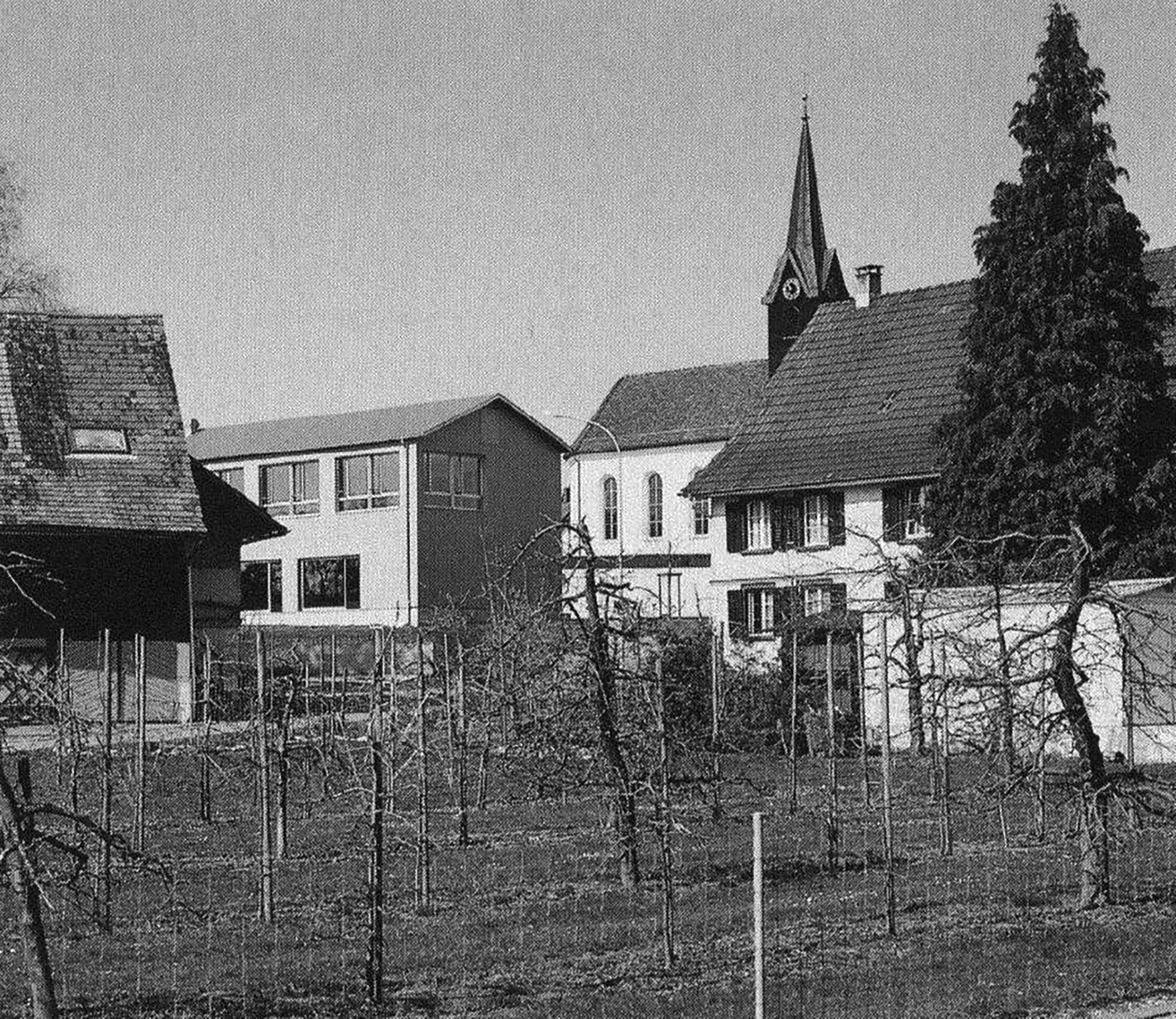 Primarschule mit Gemeindesaal
